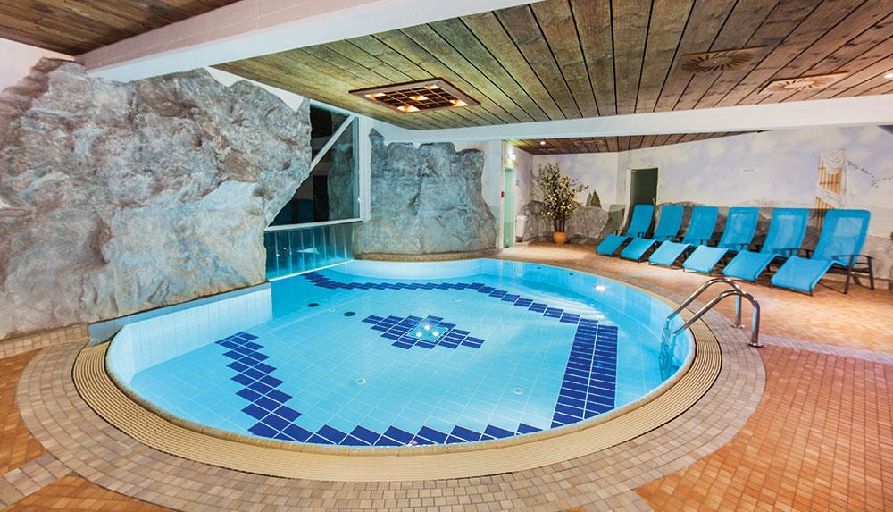 Indoor pool grotte  Grotte Ruhebereich Alpenbad-Leutasch – Erlebniswelt Alpenbad Leutasch